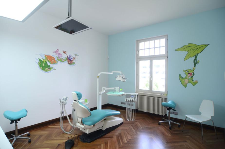 türkisfarbenes Behandlungs-Kinderzimmer